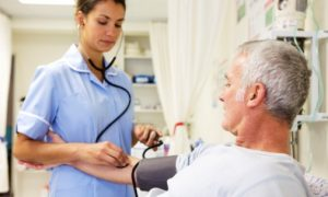Concurso Secretaria de Saúde-PR oferece 311 vagas para enfermeiros e técnicos de enfermagem!