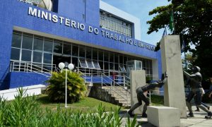 Concurso MTE 2016: Pedido de abertura de 847 vagas para auditor-fiscal foi reapresentado ao MPOG. Inicial de R$ 16 mil!