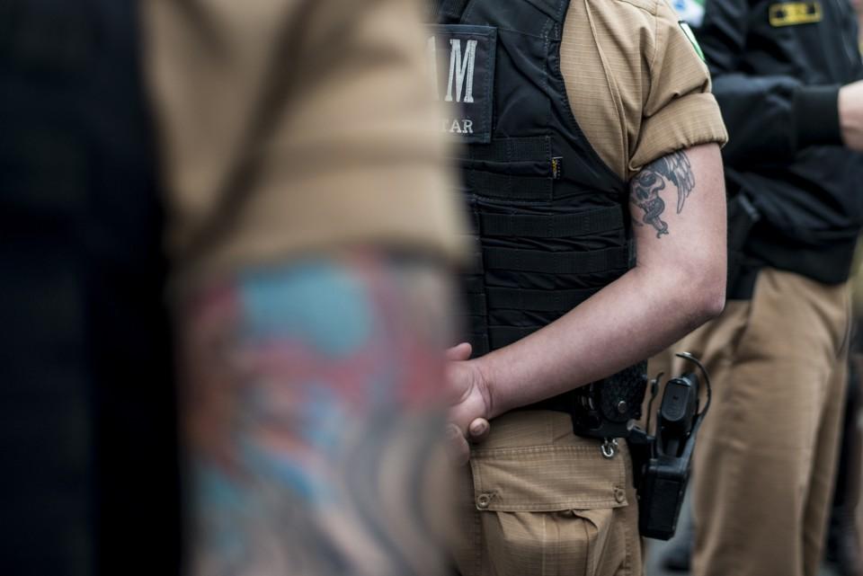 Polêmicas tatuagens das tatuagens em concursos está de volta! Posso participar do concurso Bombeiros-DF 2016? Saiba os detalhes!