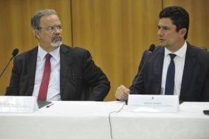 Concurso PRF: Coletiva de imprensa em que estavam presentes o ministro da Segurança Pública, Raul Jungmann, e o futuro ministro da Justiça, juiz federal Sérgio Moro.