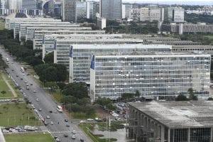 Redução no número de cargos comissionados é uma das medidas anunciadas pelo Governo Bolsonaro