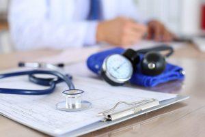 Concurso CONSAN BA: edital com dezenas de chances para profissionais da saúde.
