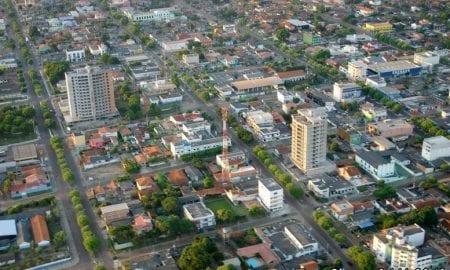 As vagas para nível médio e superior terão Concurso da Prefeitura de Cacoal (RO) prevê salários de até R$ 2.557,74