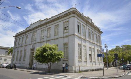 Câmara de Aracaju SE divulga edital com 50 vagas imediatas!