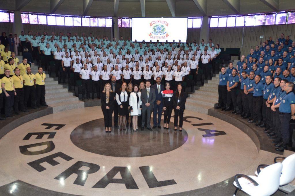 concurso policia federal - cerimonia do curso de formacao com pessoal do cebraspe.