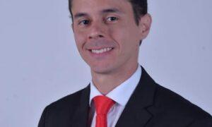Superação: Mesmo com a perda do pai para Covid, Victor Ferreira conseguiu a aprovação no Exame OAB!